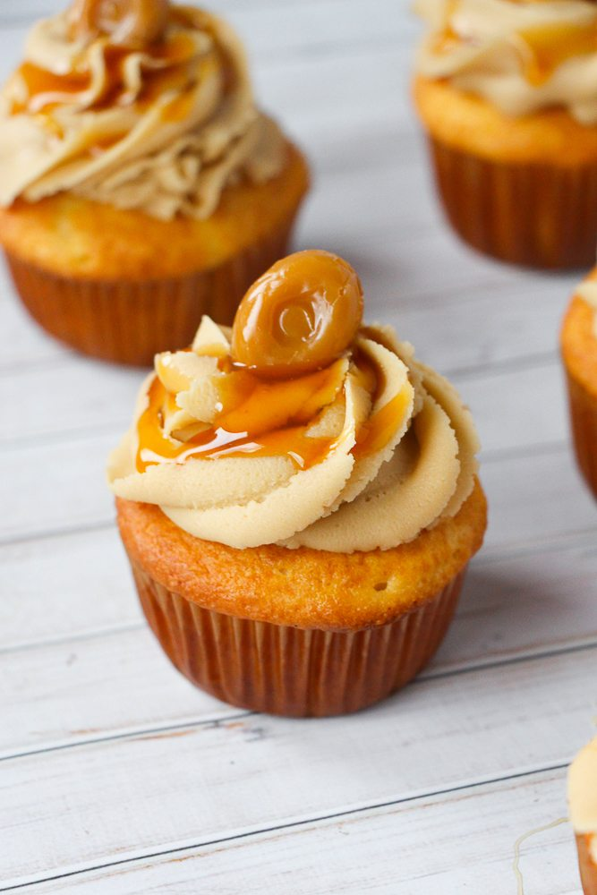caramel-cupcakes-recipe