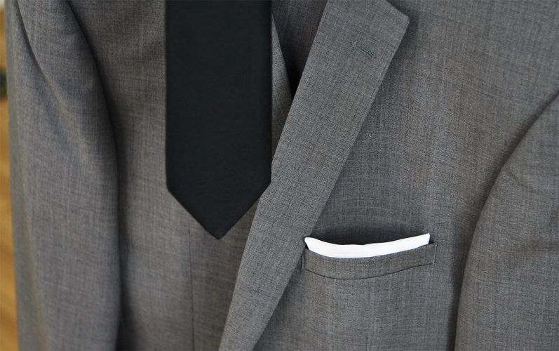 Menguin Coat Tie