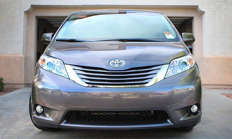 2016-Toyota-Sienna-XLE