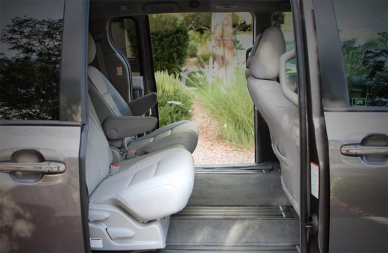 2016-Toyota-Sienna-Sliding-Doors