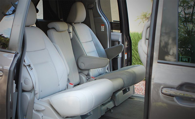 Toyota-Sienna-2nd row seating