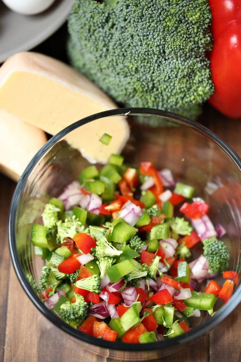 veggie-omelet-veggies-cut