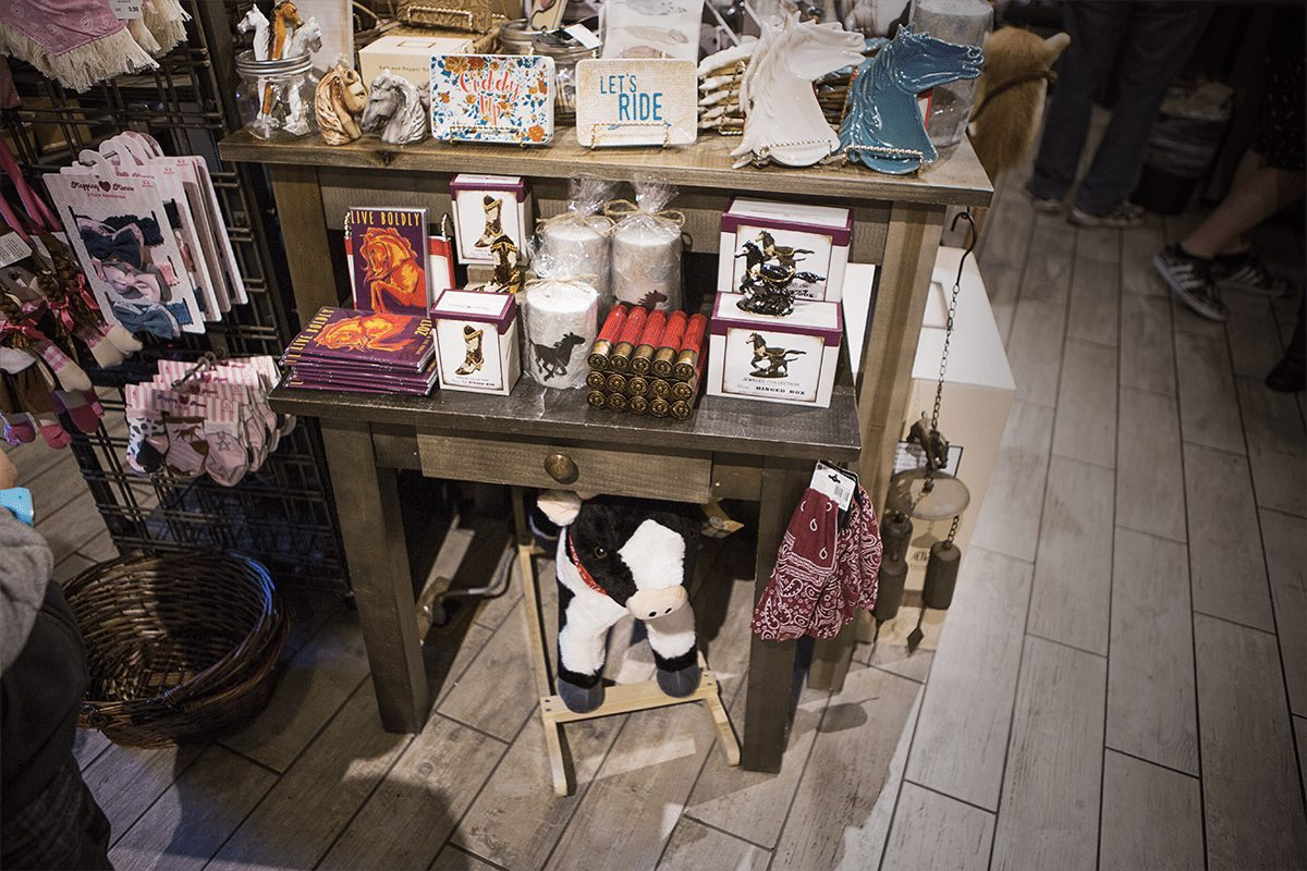 15 last minute holiday gift ideas at the cracker barrel old country store. Black Bedroom Furniture Sets. Home Design Ideas
