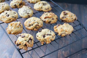 doubletree-chocolate-chip-oatmeal-walnut-cookie-recipe